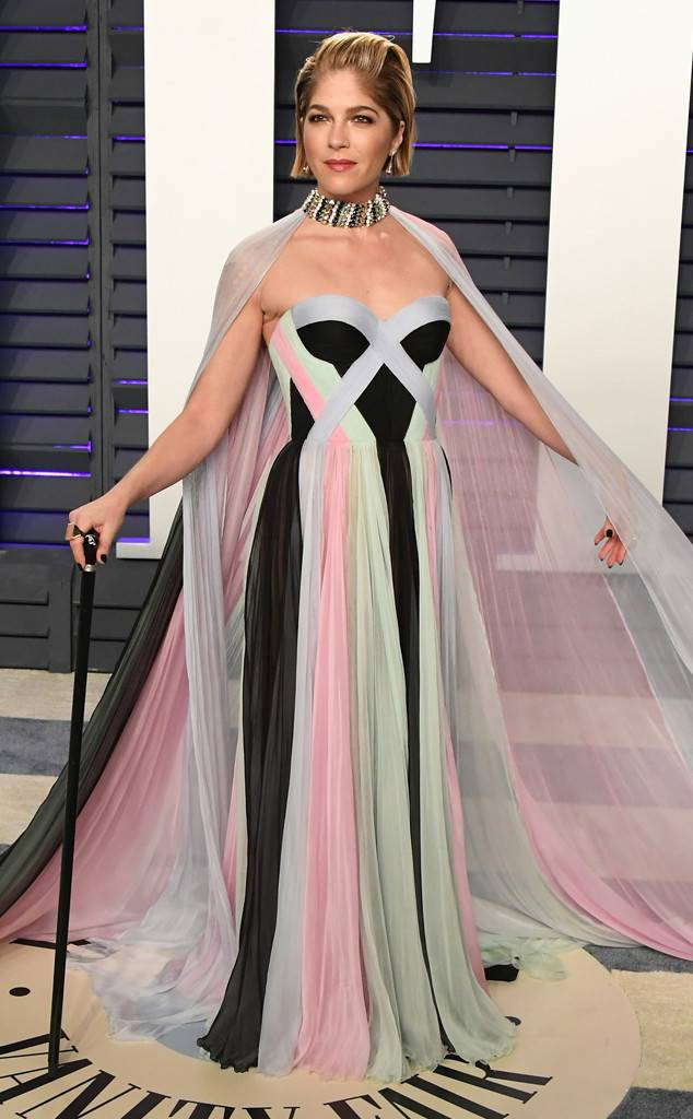 rs_634x1024-190224181303-634.selma-blair-vanity-fair-oscars-party-2019.ct.022419